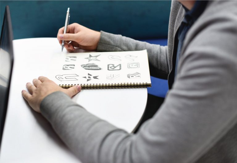 rymd sketch diseño logo branding boceto startup